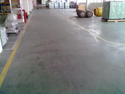 广饶金刚砂耐磨料家门口的地坪材料